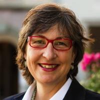 Claudia Eimer, présidente de la ville