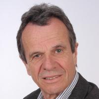 Jürg Wegelin,  a. journaliste économique et écrivain